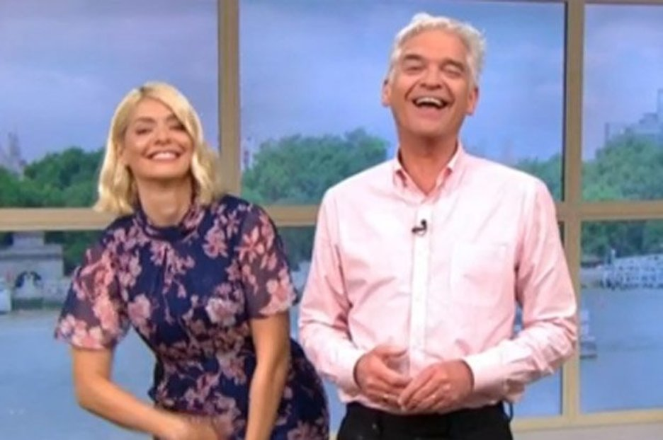 This Morning's Holly Willoughby begs camera to move after wardrobe blunder