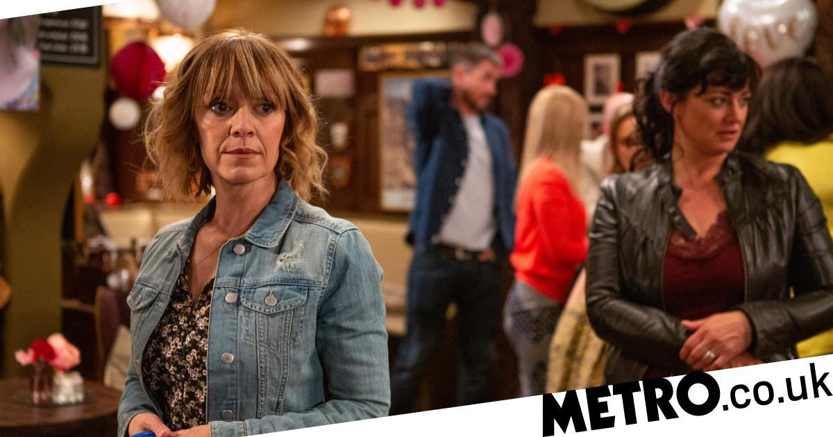 Pete and Rhona split after engagement tension in Emmerdale?