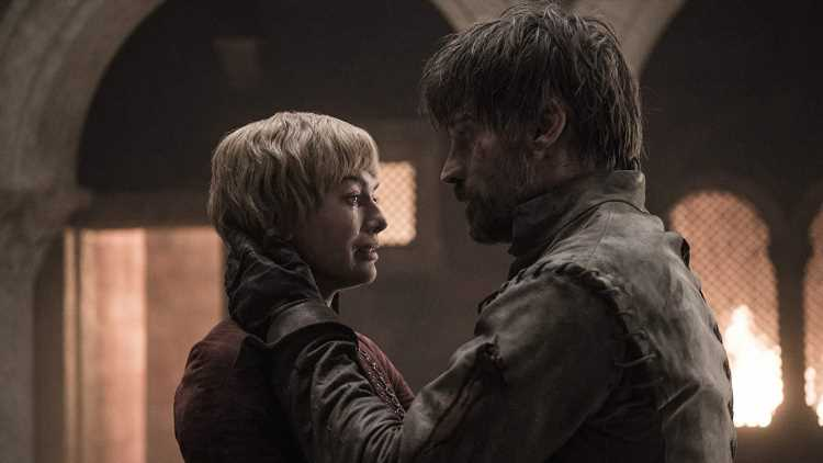 The Game of Thrones Cast Was Booed for Defending the Finale & the Video Is Uncomfortable