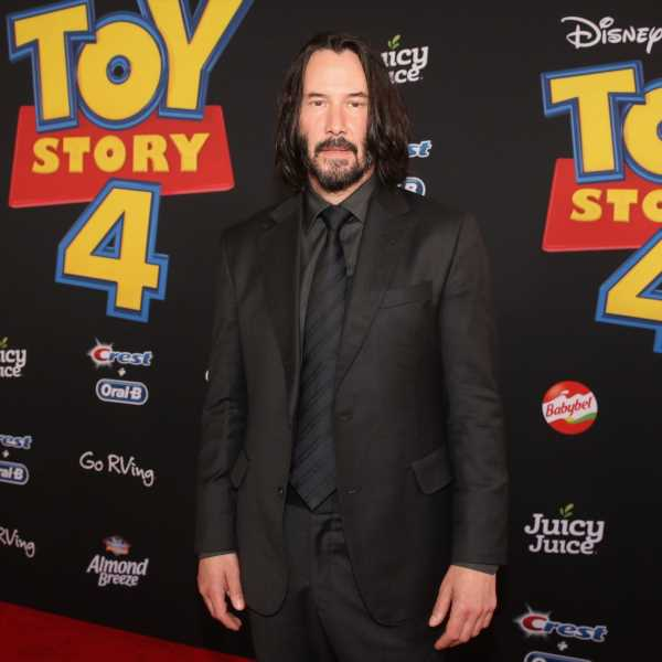 This Keanu Reeves' Dating Timeline Hints He Likes To Keep His Romantic Life Private
