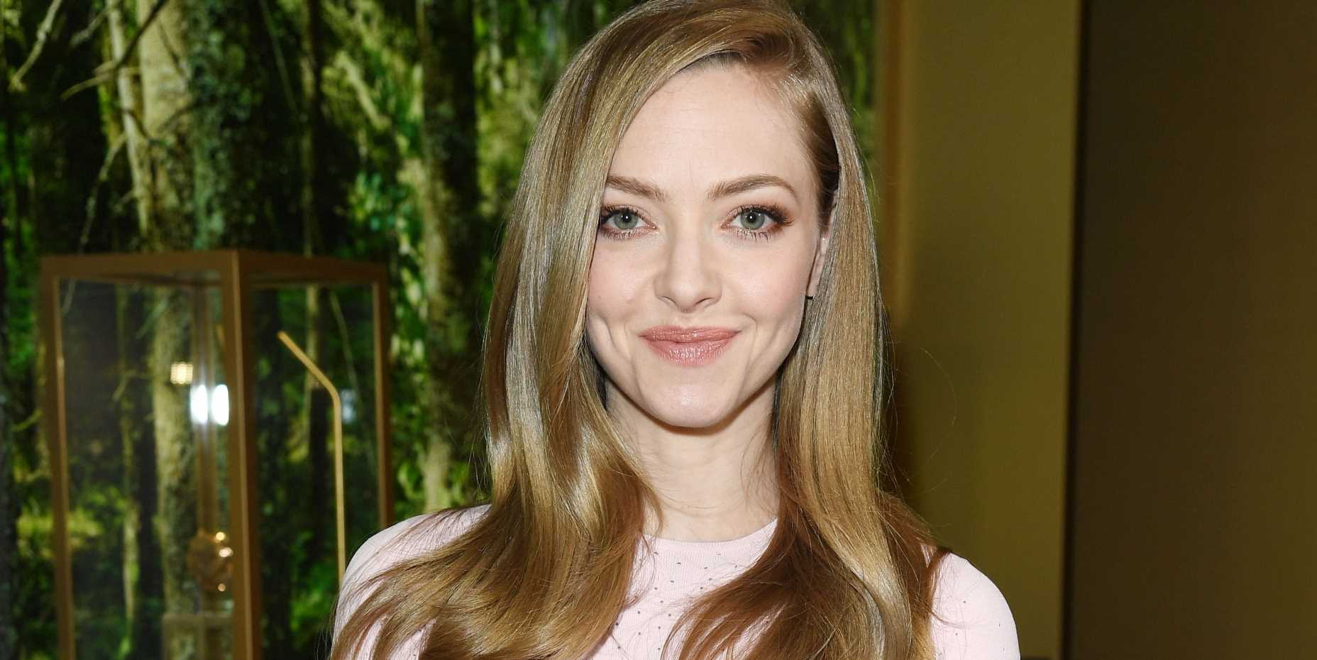 "Amanda Seyfried Just Blessed the Internet with a 'Mean Girls'-Inspired Cover of Taylor Swift's ""Mean"""