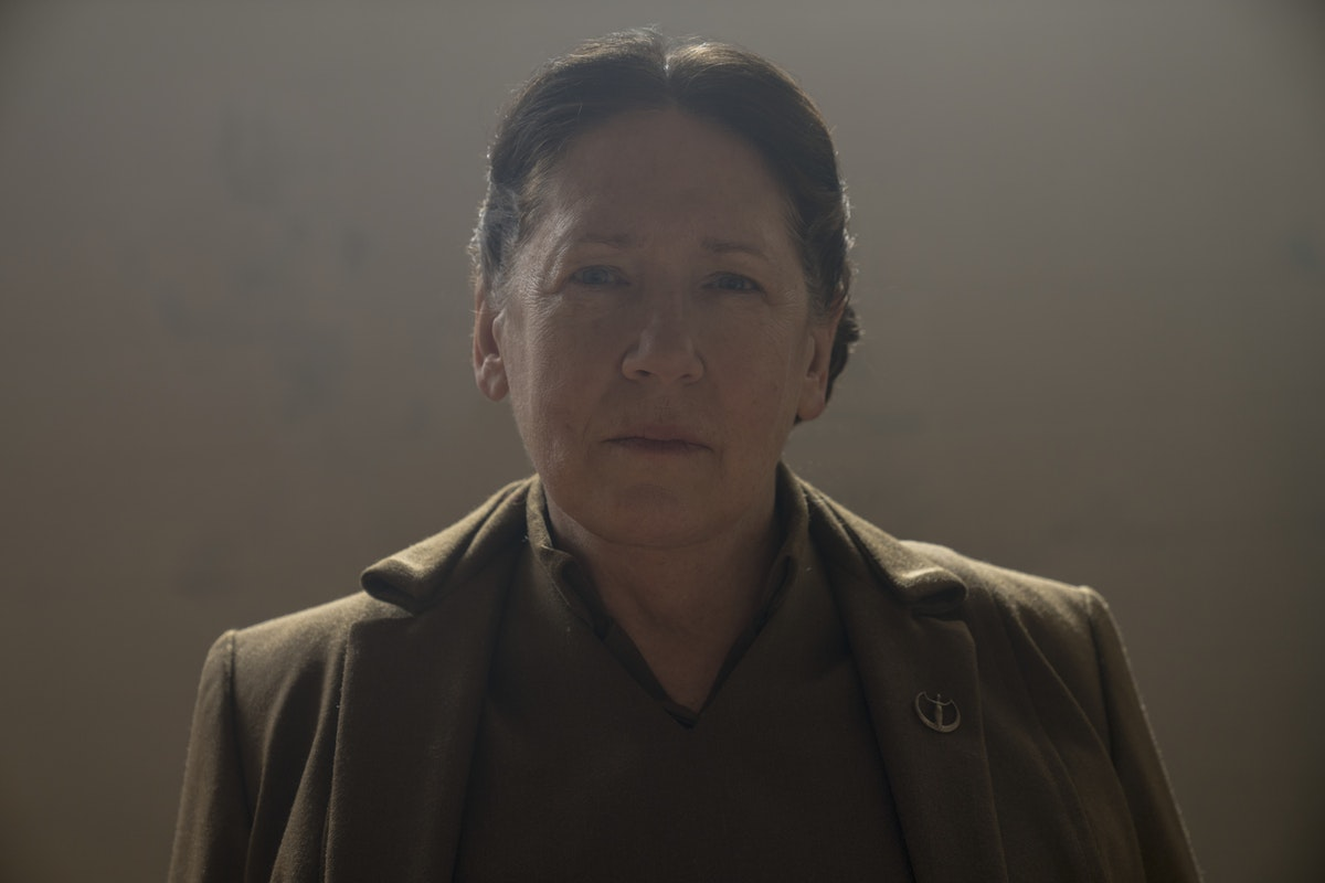 Aunt Lydia's Backstory Was Revealed On 'The Handmaid's Tale' & It's Terrifying