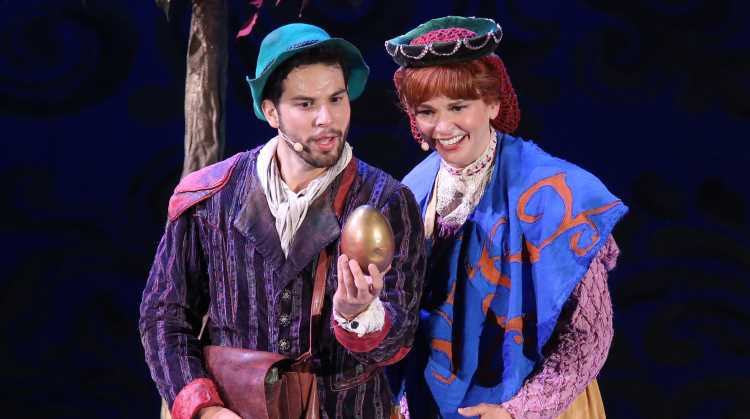 Sutton Foster & Skylar Astin Bring 'Into the Woods' to Life at the Hollywood Bowl!