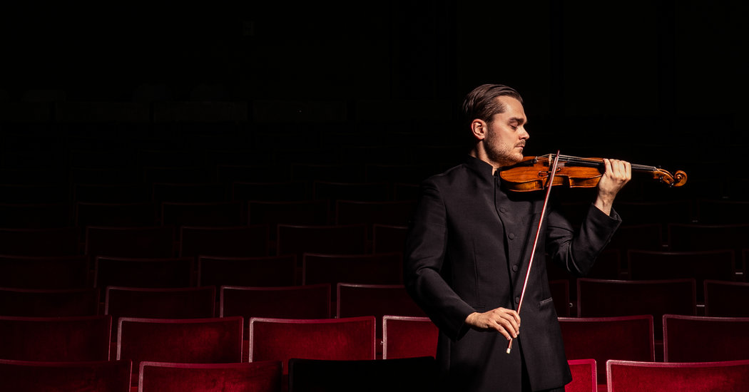 How One Violinist Conducts an Entire Bel Canto Opera