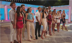 LOVE ISLAND 2019 EP. 36: Belle rages against the 'banter', Amber puts it on the table, and will Michael leave with Joanna?