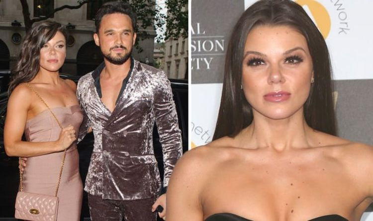 Faye Brookes: Corrie star'returns'£30,000 engagement ring to ex Gareth Gates after split