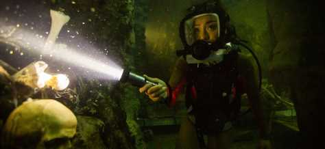 '47 Meters Down: Uncaged' Review: This Jump-Scare Shark Sequel Isn't Worth Sea-ing