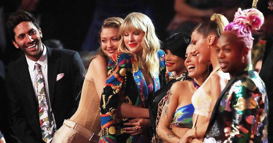Selfies, Twerking and More at the VMAs! What You Didn't See on TV