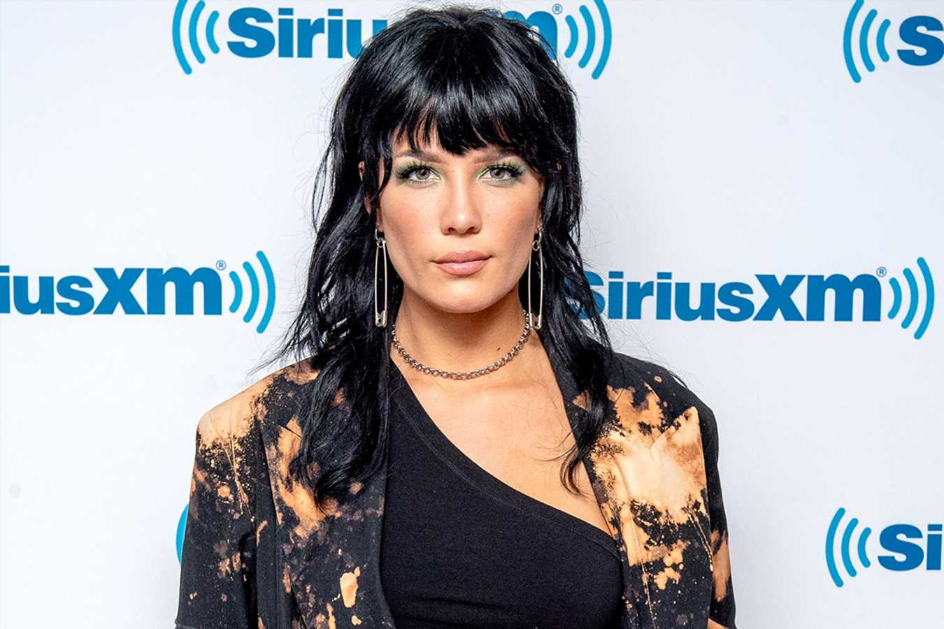 Halsey Reveals She Quit Smoking After 10 Years: 'I'm So Happy I Did It'