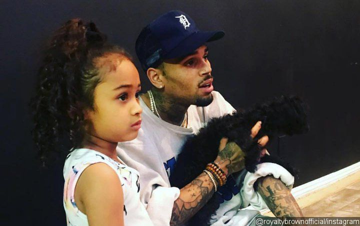 Chris Brown's Daughter Royalty Looks So Grown Up in Pic From Her First Day of School