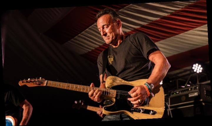 Bruce Springsteen Exhibit Draws the Boss Himself for Surprise Performance (Watch)