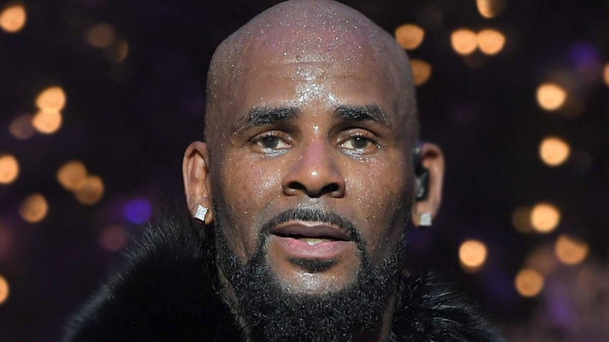 R. Kelly Has No Fear in Chicago Gen Pop, NY a Different Story