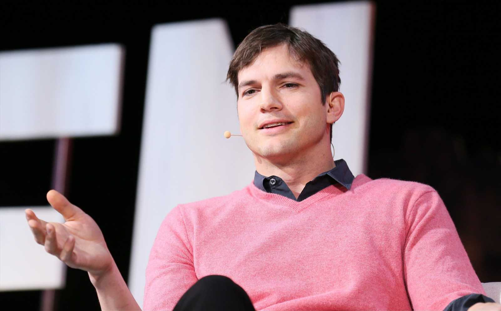 Ashton Kutcher Deletes 'Snarky' Tweet Likely About Marriage To Demi Moore