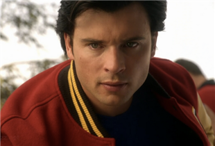 Smallville's Tom Welling to Reprise Superman Role for Arrowverse 'Crisis on Infinite Earths' Crossover