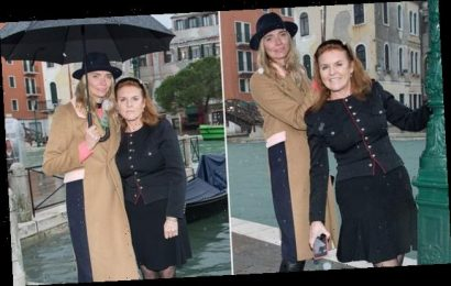 Sarah Ferguson frolics in the rain with Jodie Kidd in Venice