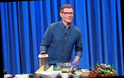 The 1 Thing Bobby Flay Won't Serve on Thanksgiving