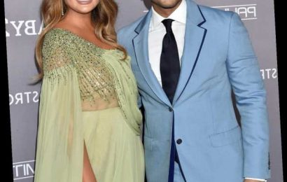 "Chrissy Teigen's ""Sexiest Man Alive"" Thanksgiving Outfit Is Hilarious"