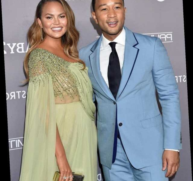 """Chrissy Teigen's """"Sexiest Man Alive"""" Thanksgiving Outfit Is Hilarious"""