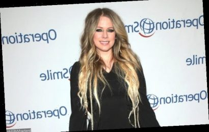 Avril Lavigne Back to Being Single Following Split From Billionaire Boyfriend