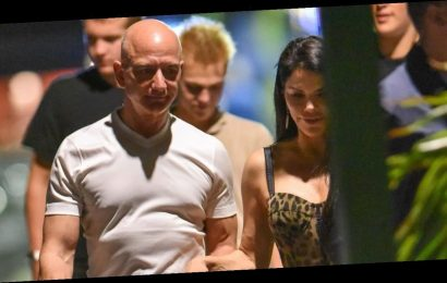 Amazon CEO Jeff Bezos Goes On a Post-Christmas Date with Lauren Sanchez