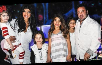 Joe Giudice Reunites With All 4 Daughters For Christmas In Italy After He & Teresa Separate