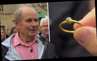 Antiques Roadshow: Geoffrey Munn leaves guest speechless after staggering ring valuation