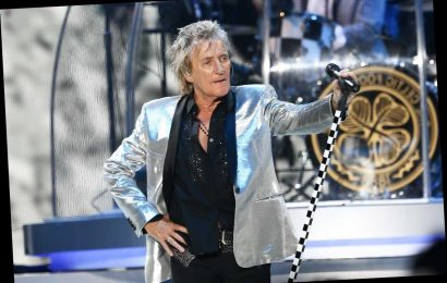 Rod Stewart Faces Battery Count After Scuffle With Security Guard on New Year's Eve