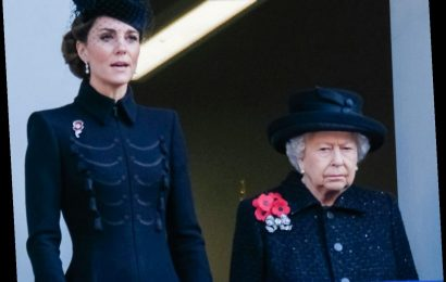 Royal commentator: The Queen admires Duchess Kate's 'quiet dignity'