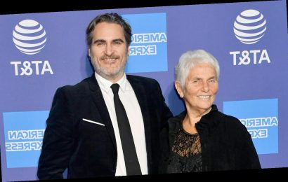 Joaquin Phoenix Brings His Mom as His Date to Palm Springs Awards Gala