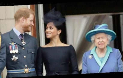 Queen Elizabeth 'Plans' To Work With Prince Harry & Meghan Markle On 'Step Back' From Royal Life