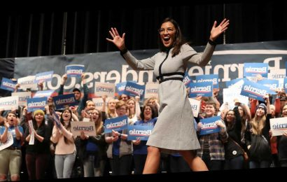 """I Would Have Her Be President"": Alexandria Ocasio-Cortez Is Winning Over Iowa"