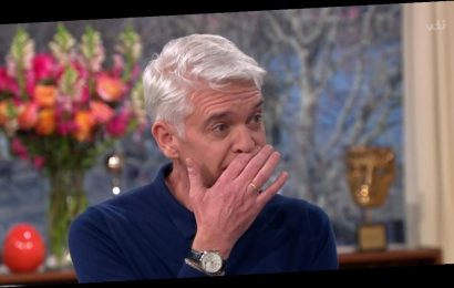 Phil Schofield stops Dancing On Ice rehearsals for sweet speech about coming out