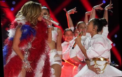 Jennifer Lopez's daughter Emme, 11, stuns fans as she sings with mom for Super Bowl halftime performance – The Sun