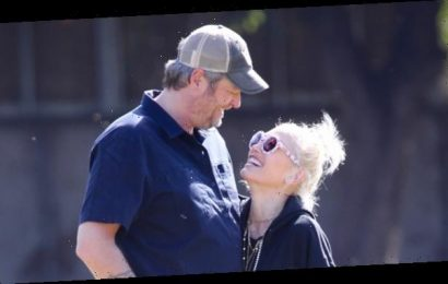 Gwen Stefani Cozies Up To Blake Shelton As They Pack On The PDA At The Park — Pics