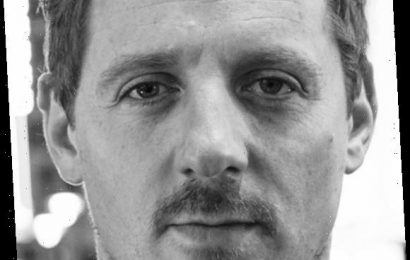 Country Music's Sturgill Simpson Tests Positive For COVID-19 Coronavirus, Now In Quarantine