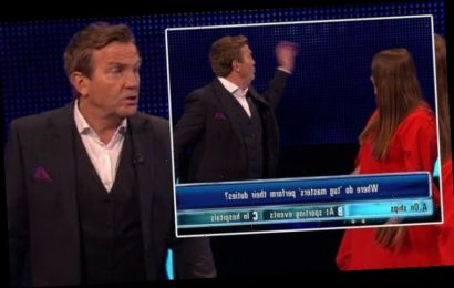 The Family Chase: 'Keep it down!' Bradley Walsh snaps at player following interruption