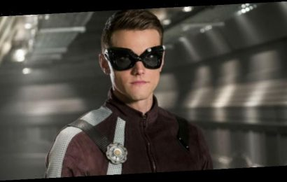 'The Flash' Fires Actor Hartley Sawyer For Racist, Misogynistic Tweets
