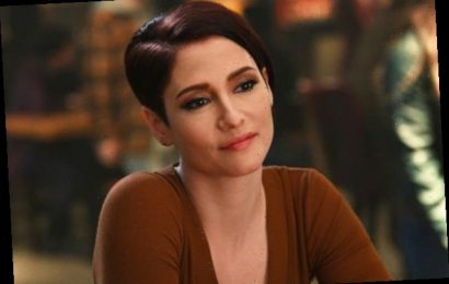 Supergirl's Chyler Leigh Calls Alex's Coming Out Journey 'Something That I Can Personally Relate To'