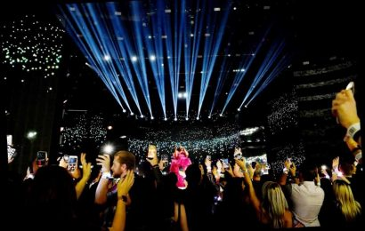 A Pandemic Will Not Stop the AMAs From Broadcasting Live This Fall