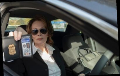Jean Smart on 'Eeerie' Connections 'Watchmen' Has With the Real World