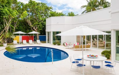 A fashion designer turned real-estate developer just sold her Pop Art-inspired Palm Beach mansion — take a look inside