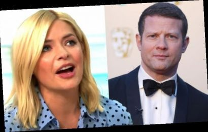 Holly Willoughby: This Morning host calls for 'help' after Dermot O'Leary shares sad news