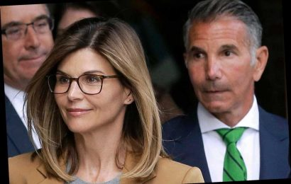 Feds Urge Judge To OK Prison Deals For Lori Loughlin, Mossimo Giannulli