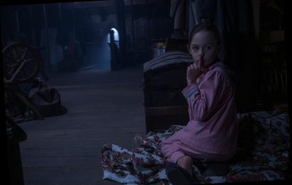 'The Haunting of Bly Manor' Trailer Boasts Love, Horror and Some Spooky Dolls