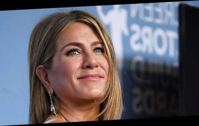It's Time to Start Anti-Aging the Jennifer Aniston Way With This Device