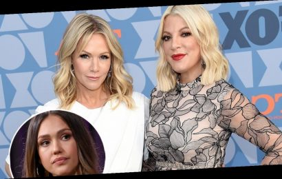 Tori Spelling and Jennie Garth React to Jessica Alba's No 'Eye Contact' Claims About 90210