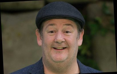 How old is Johnny Vegas, what is his real name and how much weight has he lost? – The Sun