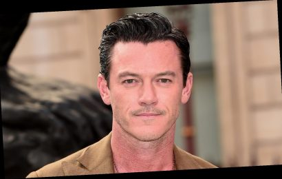 Luke Evans Zoomed In on His Shirtless Chest for Hot New Instagram Selfie!