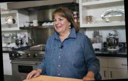 'Barefoot Contessa': Ina Garten's Chocolate Cupcakes With Peanut Butter Icing Are a Joy To Behold