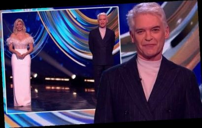 Dancing on Ice: Phillip Schofield takes spotlight off Holly as fans distracted by outfit